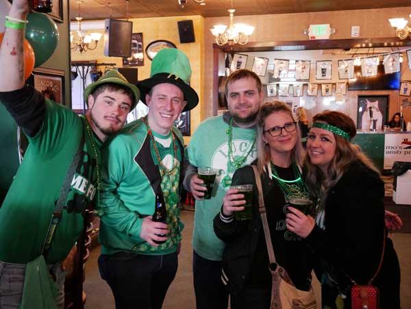 mos-irish-pub-wauwatosa